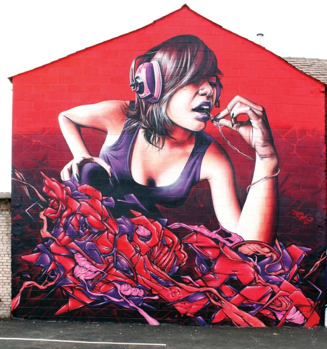 Mural - Chica con auriculares