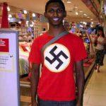 Negro con camiseta nazi