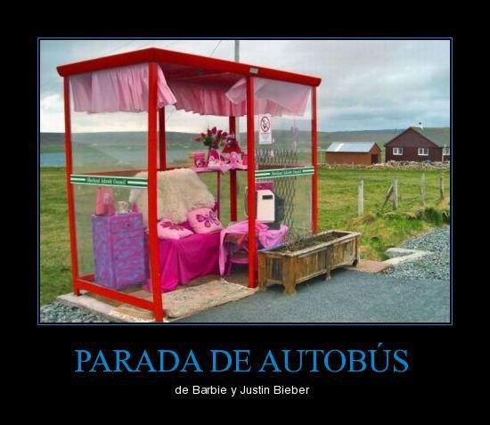 Parada de autobús de Barbie y Justin Bieber