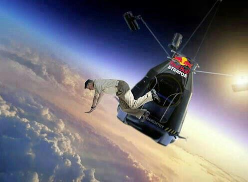 Juan Carlos batiendo el record de salto en paracaídas