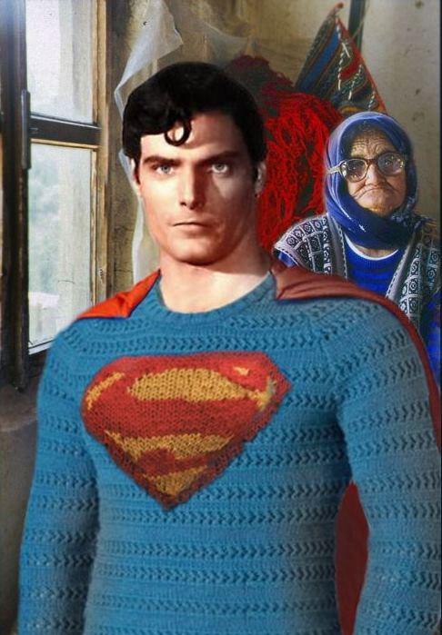 Superman con la chaqueta de la abuela