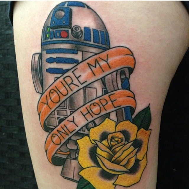 tatuaje r2d2 you're my only hope
