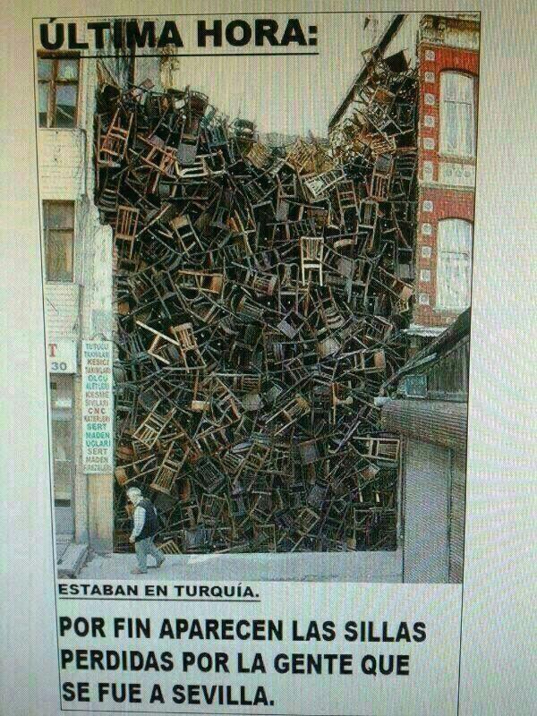 Por fin aparecen las sillas perdidas por la gente que se fue a Sevilla