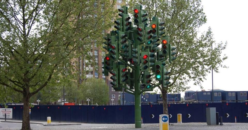 un monton de semaforos